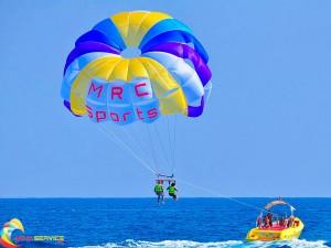 Parasailing parachutes